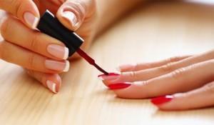 Техника нанесения лака на ногти, фото