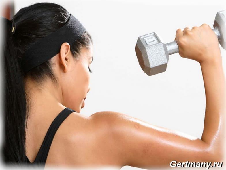 Красивые женские плечи - 5 упражнений, фото