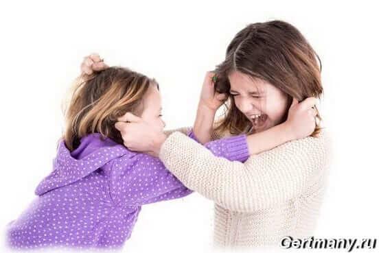 Если у ребенка проявляется агрессия, решить проблему поведения