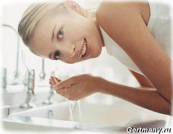 Что можно и нужно для правильного умывания лица водой