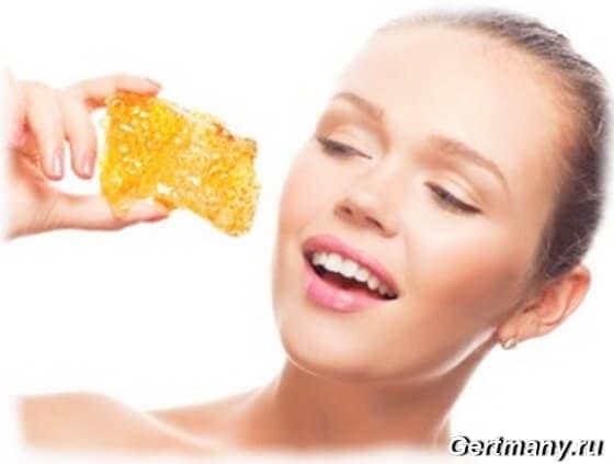 Как сделать процедуру медового пилинга для кожи лица в домашних условиях
