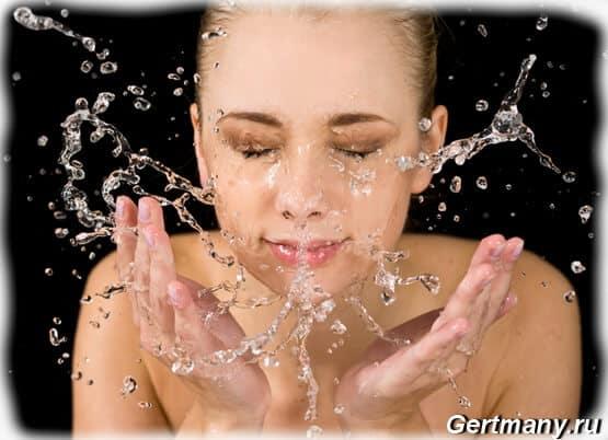 Правильные способы умывания кожи лица водой, что можно и нужно использовать