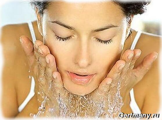 Правильные способы умывания кожи лица водой, что можно и нужно